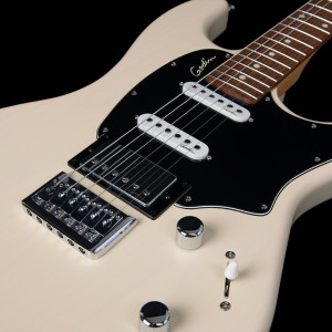 48434_Godin_Session_HT_TCream_peclose8-1024x1024