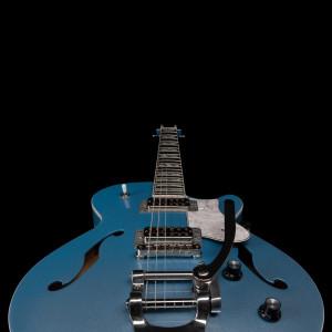 50413_Montreal_Premiere_LTD_Imperial_Blue_bodyclose